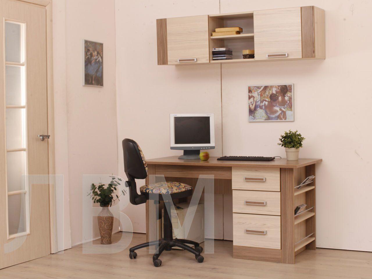 Столы компьютерные и письменные.